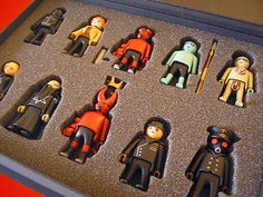 Hellboy Playmobil - Box by JakobWestman on DeviantArt Comic Character, Character Design, Ghostbusters Toys, Lego Tv, Playmobil Sets, Mike Mignola, Designer Toys, Cool Toys, Caricature