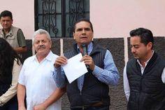 Asegura Luis Mejía Arroyo que la carretera Cotoja-Emiliano Zapata se encuentra en estado deplorable; de ahí que se solicite el apoyo del Gobierno de Michoacán y del Congreso del Estado ...