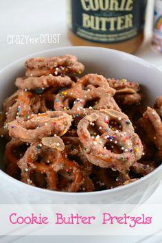 Cookie Butter Pretzels by www.crazyforcrust.com | #biscoff #pretzels #snack