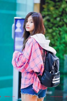 Chou Tzu-yu (born June known mononymously as Tzuyu , is a Taiwanese singer based in South Korea and a member of the K-pop . Cute Korean Girl, Cute Asian Girls, Beautiful Asian Girls, Cute Girls, Kpop Girl Groups, Korean Girl Groups, Kpop Girls, K Pop, Tzuyu Body