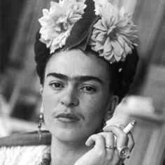 Frida Kahlo, all'anagrafe Magdalena Carmen Frieda Kahlo y Calderón (Coyoacán, 6 luglio 1907 – 13 luglio 1954) è stata una pittrice messicana.