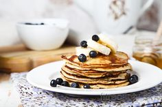 Zdravé banánové palacinky z 2 ingrediencií Tasty Pancakes, Banana Pancakes, Crumpets, Banana And Egg, Le Diner, Non Stick Pan, Homemade Ice Cream, Nut Butter, Fresh Fruit