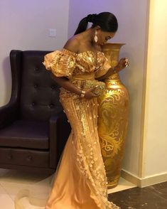 Latest Aso Ebi Guest Trend In The Month Of October - WearitAfrica African Bridesmaid Dresses, African Lace Dresses, African Dresses For Women, African Attire, African Fashion Dresses, African Women, Nigerian Dress Styles, Aso Ebi Styles, Ankara Styles