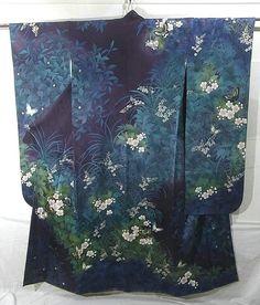 Japan modern Furisode, silk lined, deep purple, flowers spreads. Furisode Kimono, Kimono Fabric, Kimono Dress, Yukata, Japanese Textiles, Japanese Patterns, Japanese Fabric, Japanese Kimono, Japanese Outfits