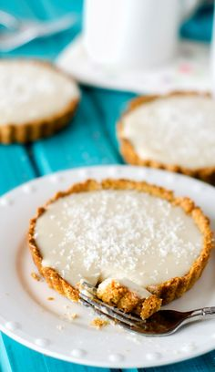 noms | vegan gluten free coconut cream tartletts with quinoa Crust