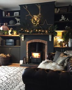 ideas for living room black fireplace shelves Fireplace Shelves, New Living Room, Snug Room, Interior Design Living Room, House Interior, Dark Living Rooms, Living Room Designs, Home, Room Design