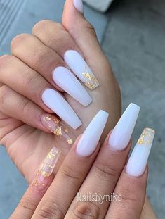 Acrylic Nails Coffin Short, Summer Acrylic Nails, Best Acrylic Nails, White Acrylic Nails With Glitter, White Coffin Nails, Acrylic Nail Designs Coffin, Acrylic Nails With Design, Colourful Acrylic Nails, Purple And Silver Nails