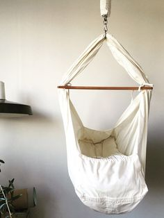Baby hammock from Natures Sway. Click the link and see why we love it. From 1748kr.