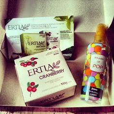Recebi essa caixinha cheirosa pra começar super bem a semana! Sabonete ERTIA Cramberry e Splash of POP. Apaixonada por esses produtos. Obrigada Amway Brasil! :D