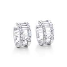 Atlas® hoop earrings with diamonds in 18k white gold.