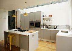 Birch ply & grey 'fox' coloured formica kitchen modern kitchen by matt antrobus design modern Open Plan Kitchen, Kitchen Layout, Kitchen Design, Kitchen Living, New Kitchen, Kitchen Ideas, Living Room, Smart Kitchen, Kitchen Units