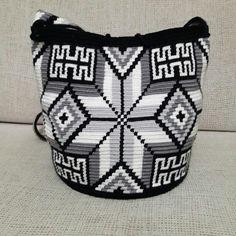 Tapestry Crochet Patterns, Macrame Patterns, Mochila Crochet, Fair Isle Pattern, Crochet Purses, Crochet Accessories, Needlework, Knit Crochet, Pouch