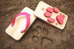 cat sandal.