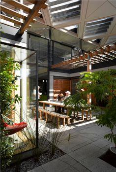 Maggie's Centre by Richard Rogers Studio Interior Garden, Room Interior, Wellbeing Centre, Courtyard Design, Interior Design Inspiration, Design Ideas, Building Design, Interior Architecture, Indoor Outdoor