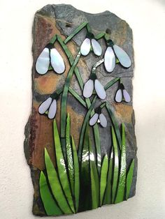 Mosaic Art Projects, Mosaic Crafts, Stained Glass Projects, Mosaic Ideas, Mosaic Birdbath, Mosaic Garden Art, Mosaic Rocks, Mosaic Glass, Fused Glass