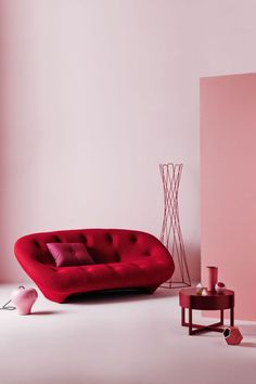 "thedesignwalker: "" Get the look: pink and red gallery - Vogue Living "" Red Wall Art, Red Art, Pink Filter, Home Modern, Red Home Decor, Vogue Living, Red Design, Red Aesthetic, Red Interiors"