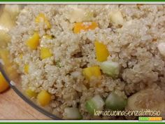 Insalata di miglio, peperoni, mandorle e mele  #ricette #food #recipes