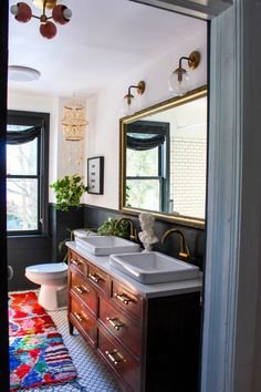Nearly every room in this vintage-inspired eclectic farmhouse is fabulously decorated. Kate Pearce thrifts for a living. and her gorgeous newly renovated house is filled with incredible finds! Eclectic Bathroom, Eclectic Decor, Bathroom Interior, Bohemian Bathroom, Industrial Bathroom, Eclectic Design, Bathroom Remodeling, Remodeling Ideas, Vintage Inspiriert