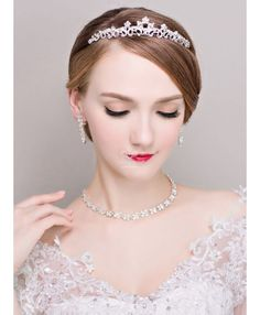 d205d6eb22dc Completo di gioielli economici Sposa con Coroncina Orecchini e Collana