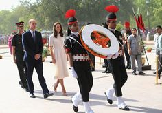 Prince William and Kate pay respects to Indian soldiers and country's founding father Mahatma Gandhi - Photo 4