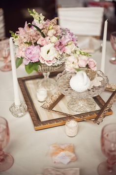 creative vintage frame and floral wedding centerpieces ideas