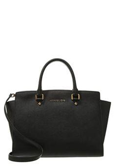 46 meilleures images du tableau LUXURY   Couture bags, Taschen et ... 8d329cf5a2f