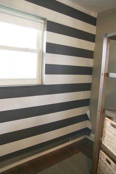 Peek and stick wallpaper - House Tweaking
