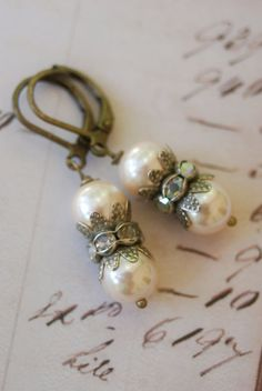 Catherine.+vintage+pearl+rhinestone+earrings.+by+tiedupmemories,+$13.50