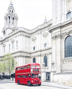 St. Paul's Cathedral London <<<<< it's the RT'S! My buses!