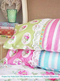 Ideas DIY de coser Proyectos- funda de almohada - almohada de coser Tutorial con la cinta y el cordón en http://diyjoy.com/sewing-projects-diy-pillowcases-ideas