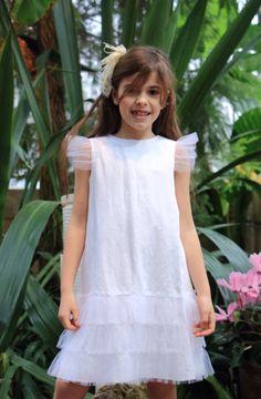 Vestido en lino blanco. Sylvia Marie. Colección primavera verano 2015.