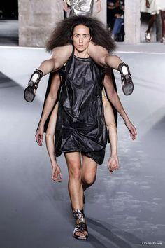 Fashion Line, Fashion Week, Runway Fashion, Fashion Show, Fashion Design, Anti Fashion, Fashion Details, Rick Owens, Runway Models