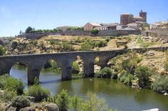 Ledesma, Spain Before I Die, Study Abroad, Family History, Places To Visit, River, Spain, Mansions, House Styles, Villa