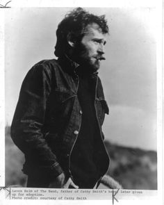 I do believe that's Levon Helm : )