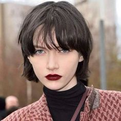Short Hairstyles For Thick Hair, Pretty Hairstyles, Bob Hairstyles, Shot Hair Styles, Curly Hair Styles, Poses, Hair Images, Grunge Hair, Hair Looks