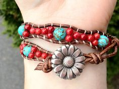 Turquoise and Coral Double Wrap Leather Bracelet door DESIGNbyANCE