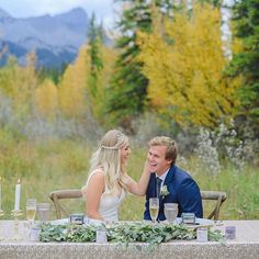 Check out this beautiful styled Banff shoot. Lush, green mountain shoot, how can you go wrong with this kind of scenery. Green Mountain, Mountain View, Camp Wedding, Dream Wedding, Wedding Colors, Wedding Styles, Wedding Theme Inspiration, Scenery Photography, Lush Green