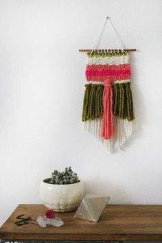 Simple Weaving Tutorial by Rachel Denbow for A Beautiful Mess