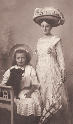 +~+~ Antique Photograph ~+~+ Elegant Mother and Daughter and their sweet dog
