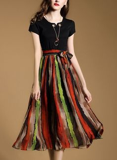 Повседневное платье из хлопока из полиэстра длины миди в полоску с короткыми рукавами