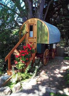 1000 images about sheep wagons on pinterest shepherds hut sheep and covered wagon - The mobile shepherds wagon ...