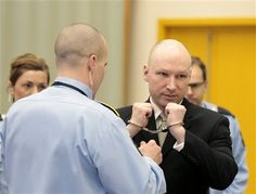 Noruego Breivik dice que ideología nazi lo mantiene vivo - http://a.tunx.co/Fr7t5