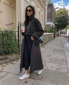Fall Outfits For Work, Casual Winter Outfits, Winter Fashion Outfits, Autumn Fashion, Retro Outfits, Cute Outfits, Streetwear, Urban Chic Fashion, Women's Fashion