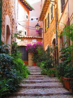 Alleyways of Fornalutx village, Mallorca Island, Spain