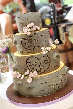 Tree Trunk Rustic wedding cake Rustic Weddings ...
