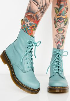 Martens 1460 Pascal Pale Teal Boots cuz you're about to go awfff. Stomp out the haterz in these dope 1460 boots that have a Nappa leather construction, rounded toes, rubber soles and lace-up closures. Dr. Martens, Doc Martens Stiefel, White Doc Martens, Doc Martens Style, Doc Martens Outfit, Doc Martens Boots, Punk Rock Fashion, Grunge Fashion, Punk Boots