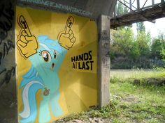 Lyra Heartstrings Graffiti by *ShinodaGE on deviantART Lyra Heartstrings, Vinyl Scratch, My Little Pony Pictures, Rainbow Dash, Worlds Of Fun, Gravity Falls, Wonders Of The World, Graffiti, Street Art