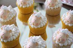 Cupcake de Ovelha Chá de Bebê | Vestida de Mãe | Blog sobre Gravidez, Maternidade e Bebês por Fernanda Floret