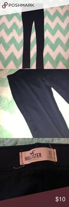 NAVY BLUE Hollister leggings! Navy blue leggings from Hollister. Worn twice. Very good condition, no flaws Hollister Pants Leggings