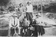 Arthur Ransome: Arthur Ransome in 1932 with the Altounyan family